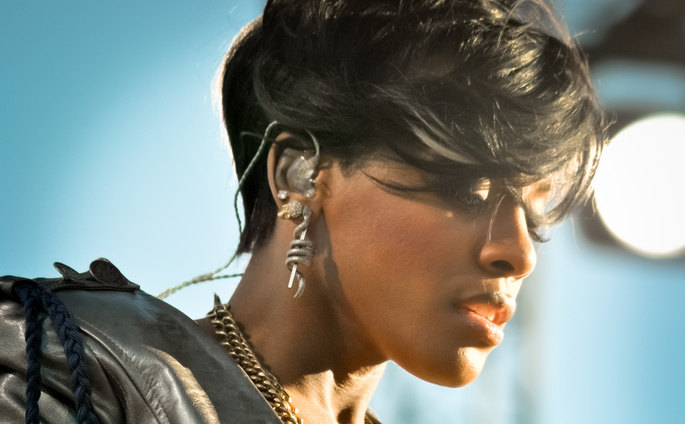 Ex-Dirty Money singer Dawn Richard to release Goldenheart next week: stream snippets inside