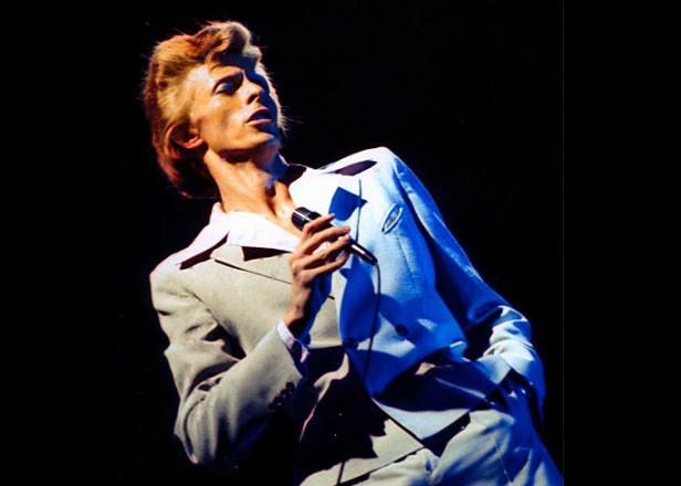 Bowie-Berlin-Wall-616x440