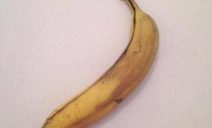 Ben Klock's banana up for auction