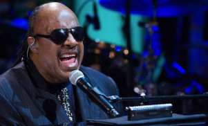 Stevie Wonder to perform Songs in the Key of Life in full at London show
