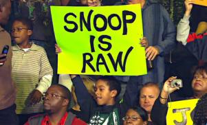 Watch Snoop Dogg rap at Wrestlemania in support of wrestler cousin Sasha Banks