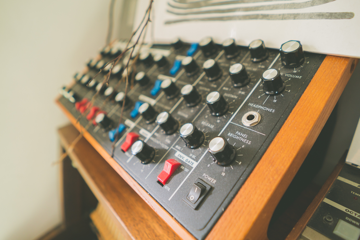 rival-consoles-by-pawel-ptak-02