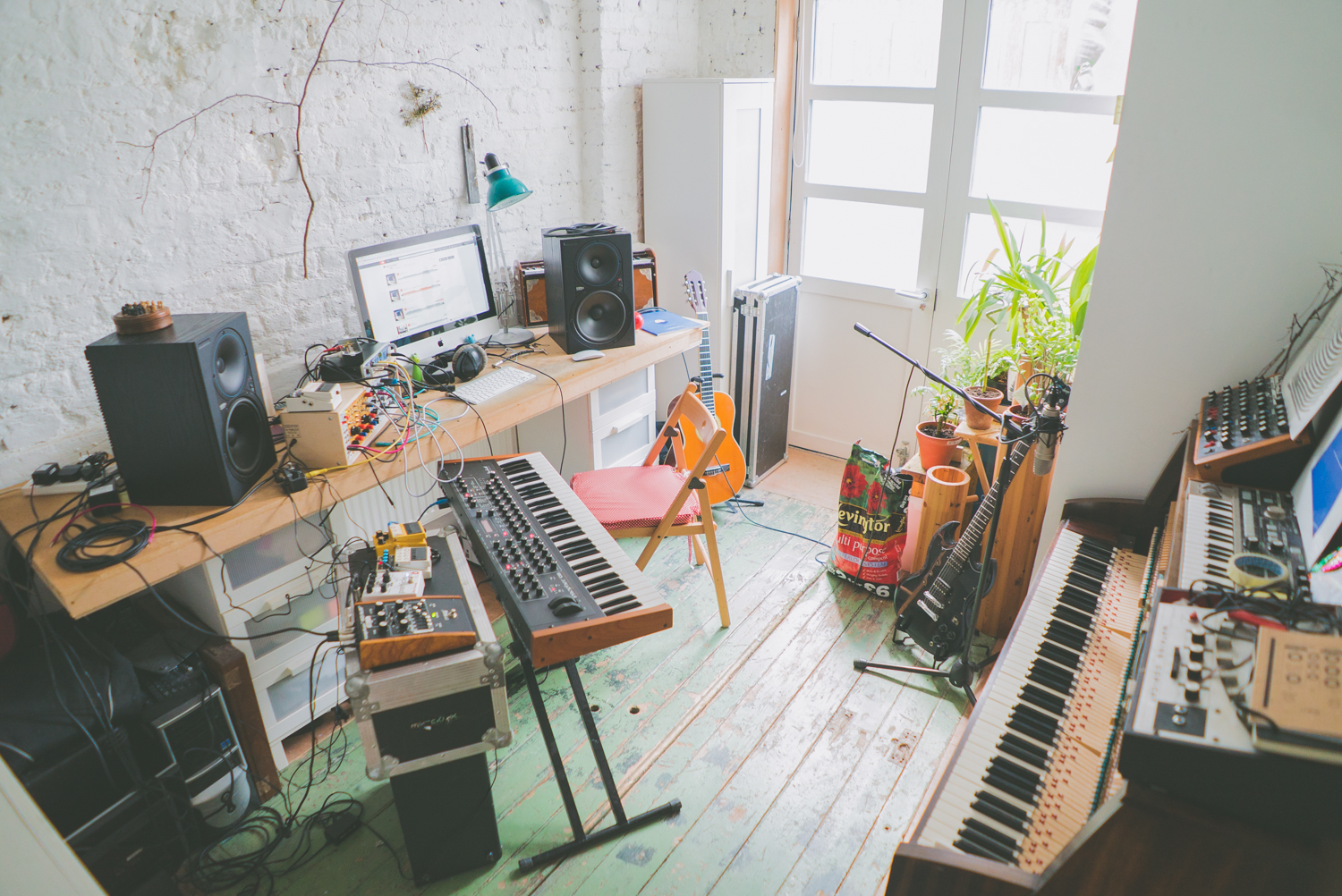 rival-consoles-by-pawel-ptak-15