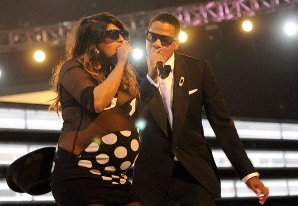 Mia Pregnant Grammy S