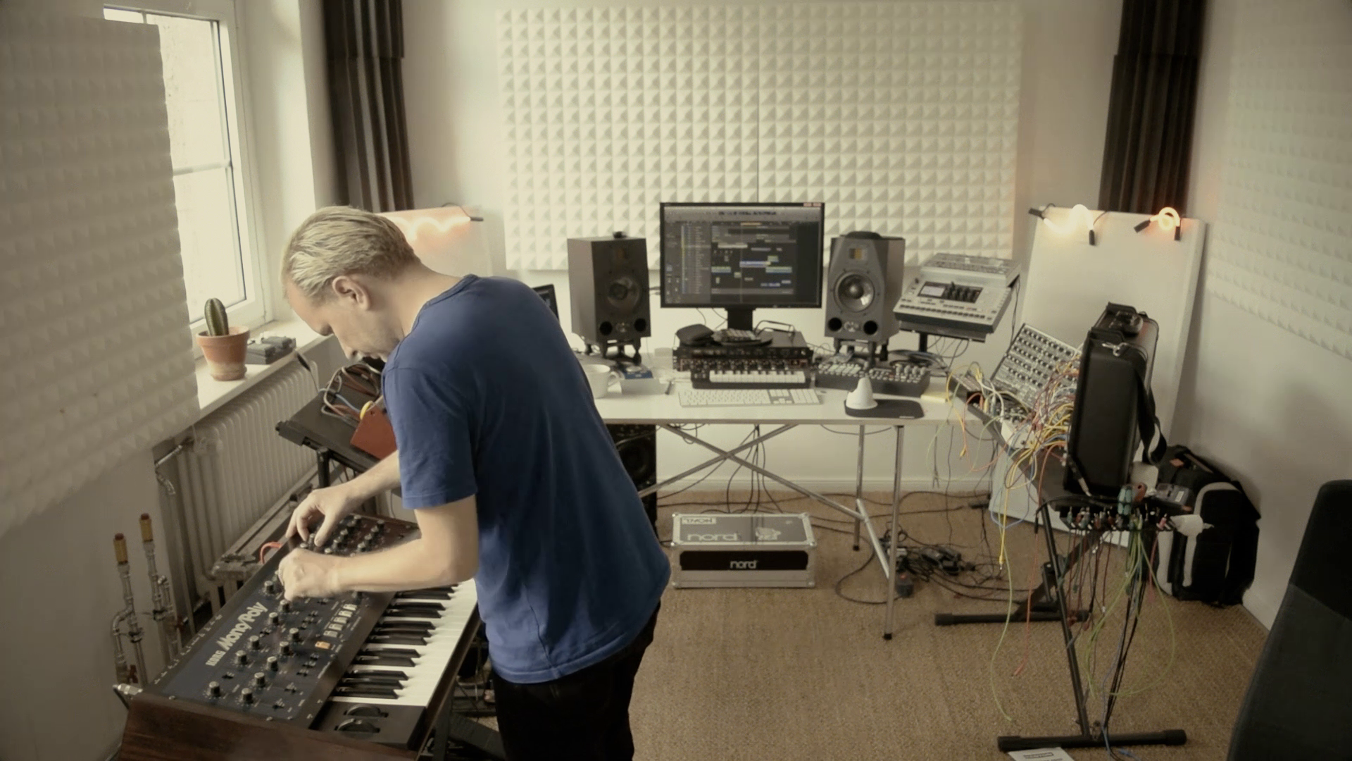Hans Berg – In The Studio
