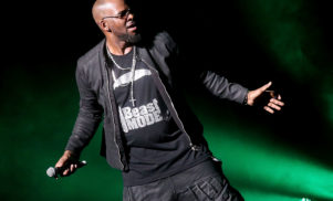 """R. Kelly denies keeping women against their will in abusive """"cult"""""""