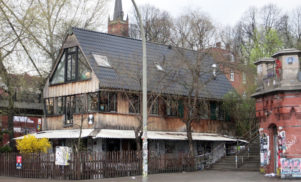 Hamburg's Golden Pudel club to reopen 18 months after devastating fire